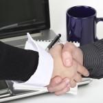 Prawnik rozwiązujący sprawę upadłości lub układów