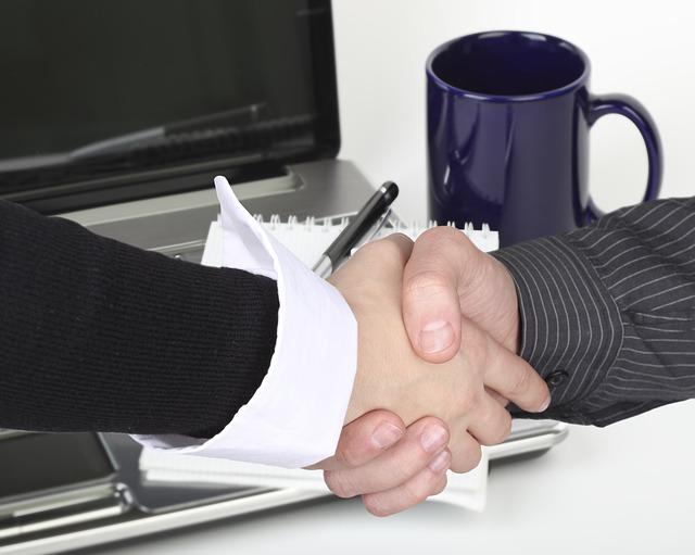 Prawnik rozwiązujący sprawę upadłości lub oddłużania