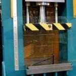 Działanie prasy hydraulicznej