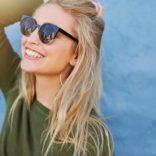 Okulary przeciwsłoneczne korekcyjne – za i przeciw