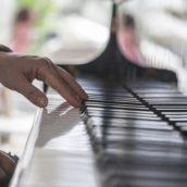 Jak nauczyć się grać na pianinie?