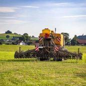 Czy można wykorzystać ten sam olej do wszystkich maszyn rolniczych?
